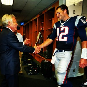 Brady and Kraft with a congratulatory handshake after the Pats clinch the AFC East.